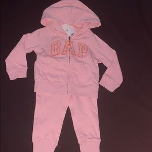 Gap Baby Girl Floral Sweatsuit 18-24 Months